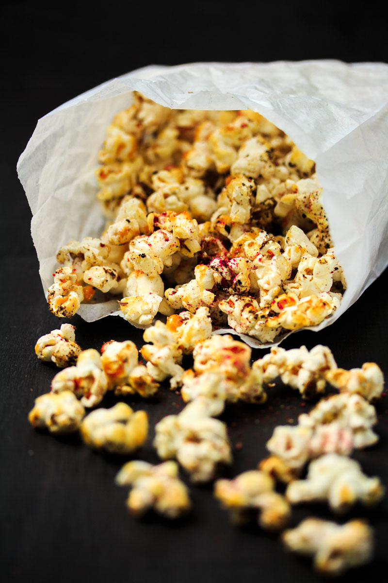 Knuspriges Curry-Popcorn
