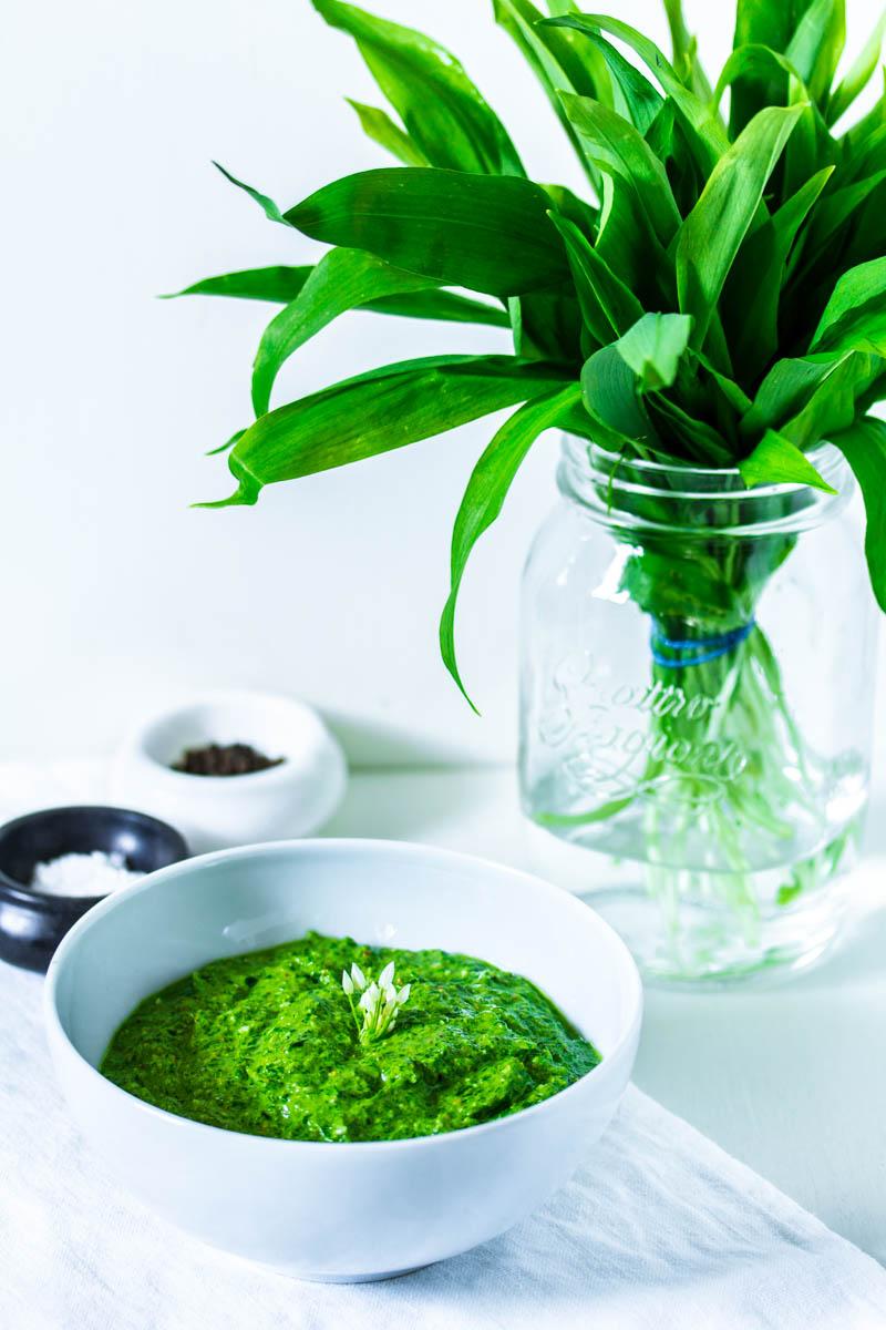 Bärlauch-Pistazien-Pesto - Colors of Food