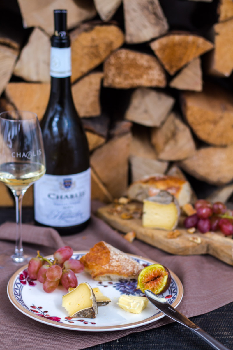 Chablis Wein in Szene gesetzt