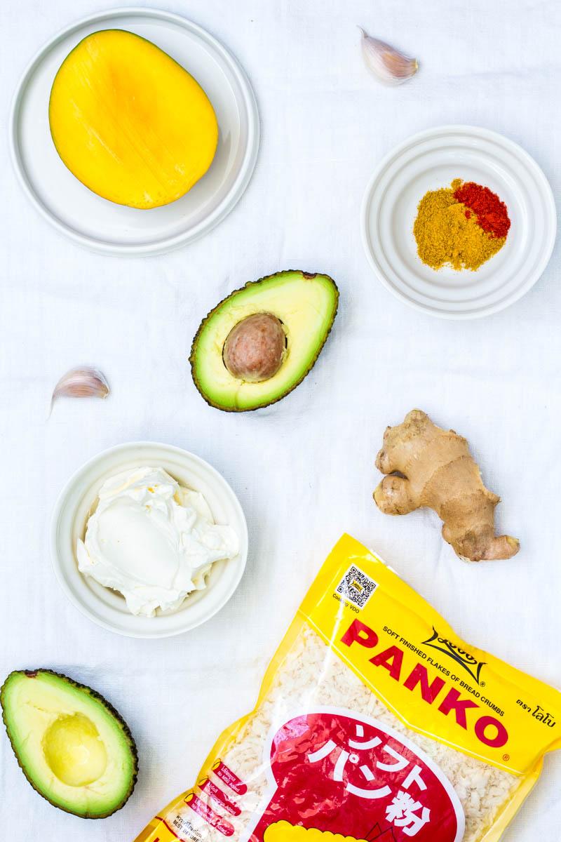 Zutaten für Knusprige Avocado Wedges mit Mango-Curry-Dip