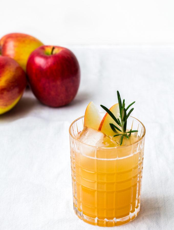 Bee's Knees mit Apfel und Kamille