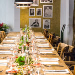 Der Tisch ist gedeckt. Die Gäste können kommen.