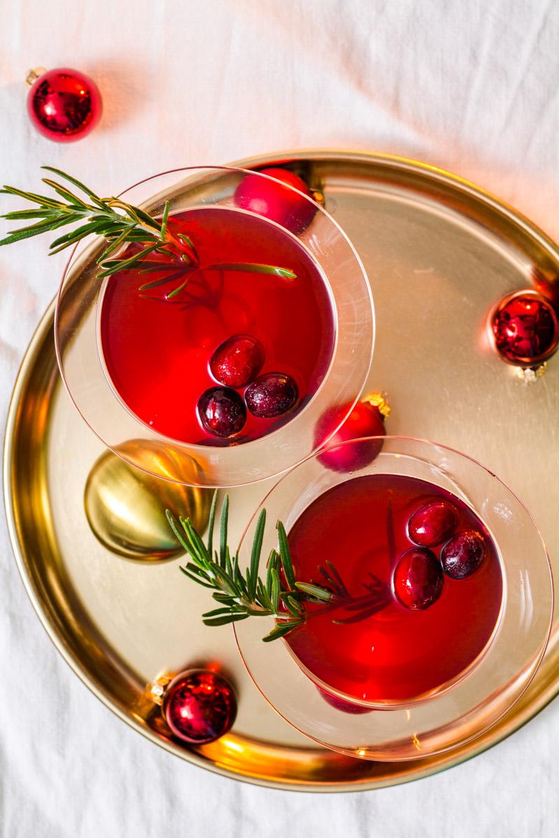 Cranberry-Martinez mit frischen Cranberries