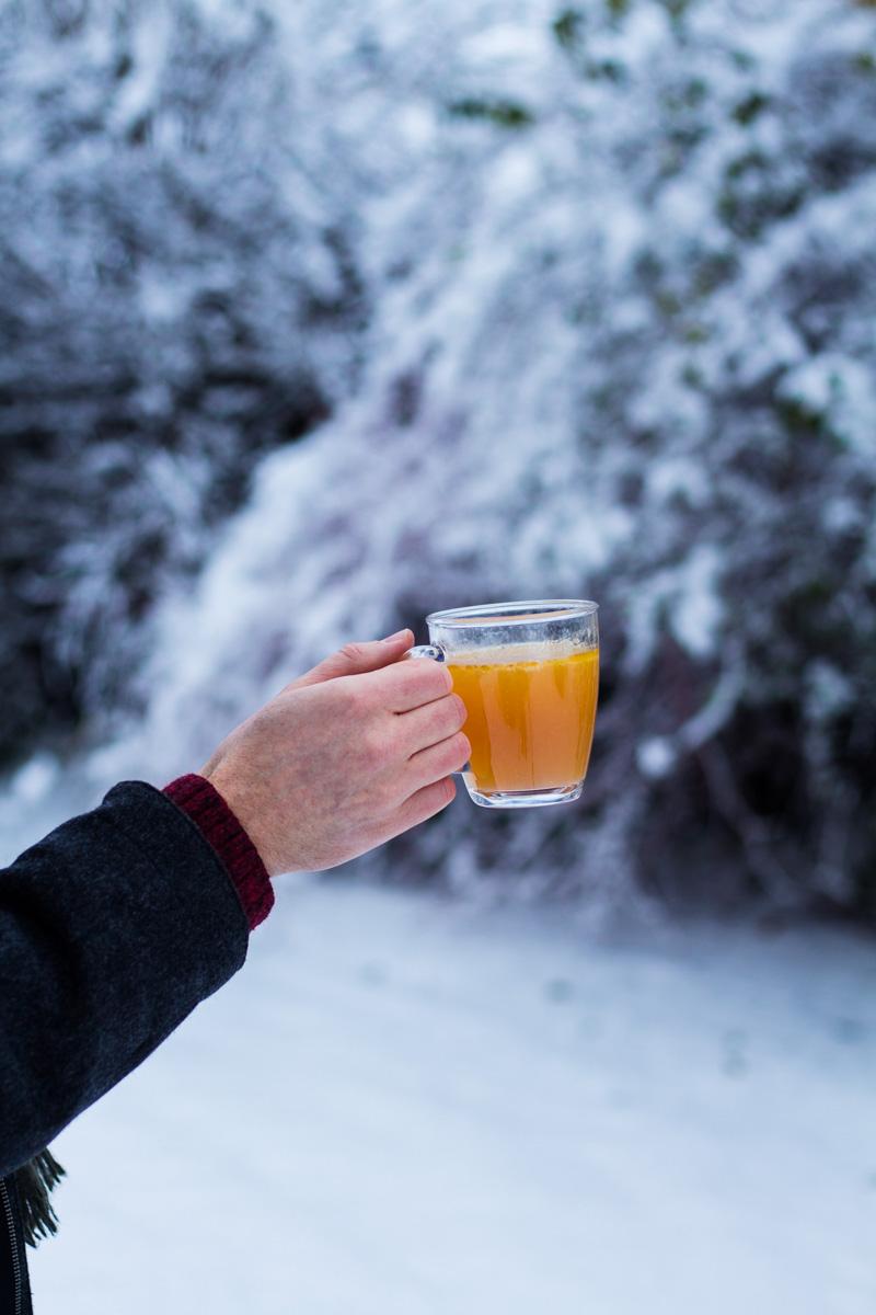 Eine Tasse Hot Buttered Rum