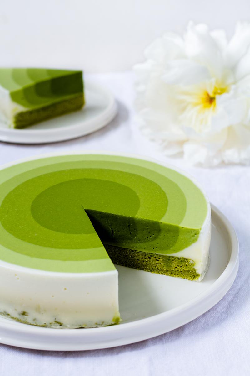 Süße Verführung - Matcha Mousse Kuchen