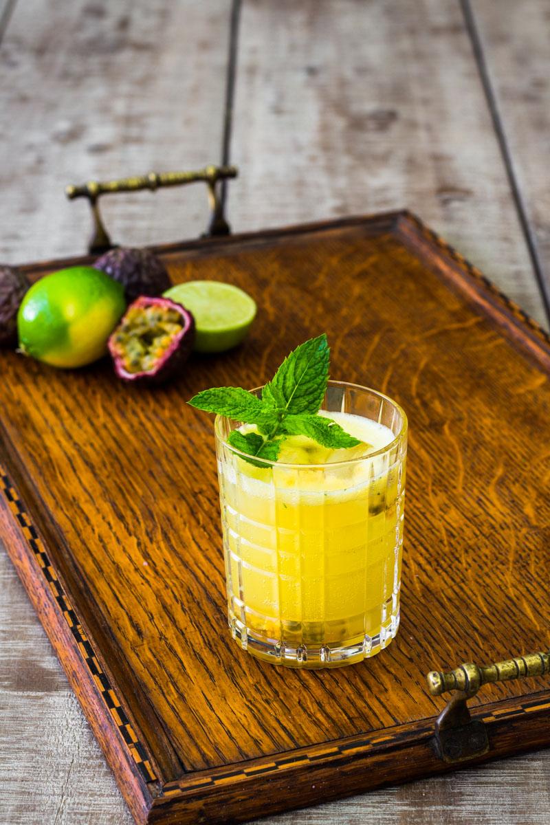 Tropischer Passionsfrucht Gin Gin Mule