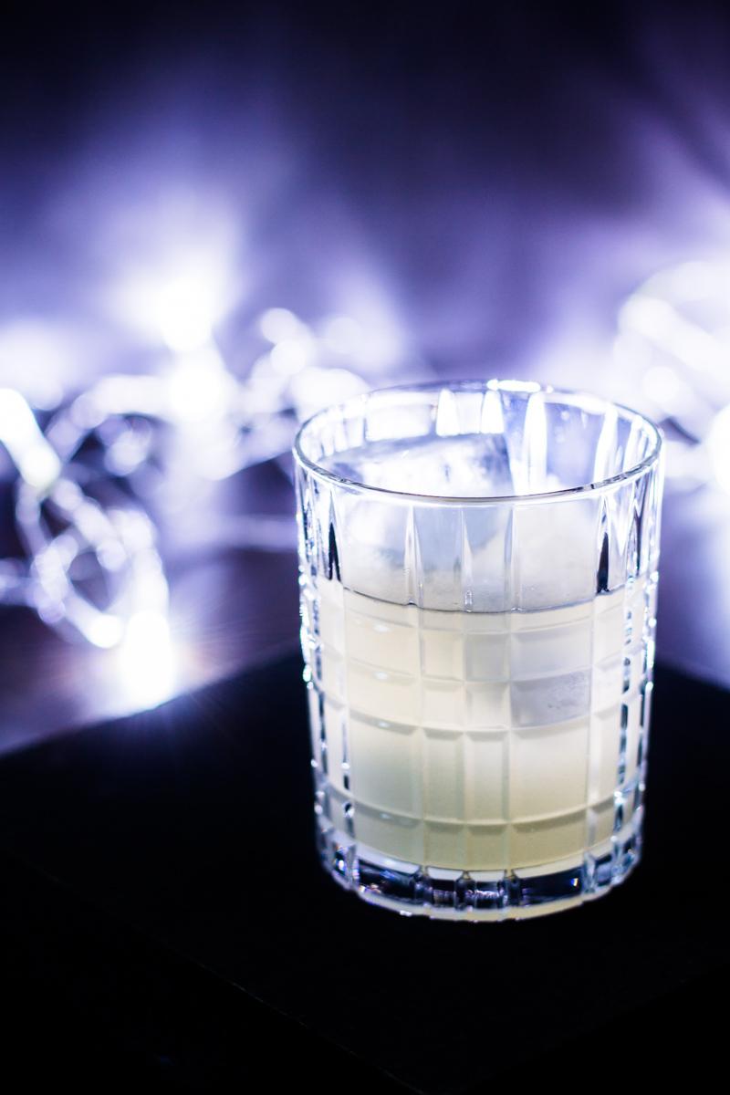 Gin Yuzu-Sour im Tumbler