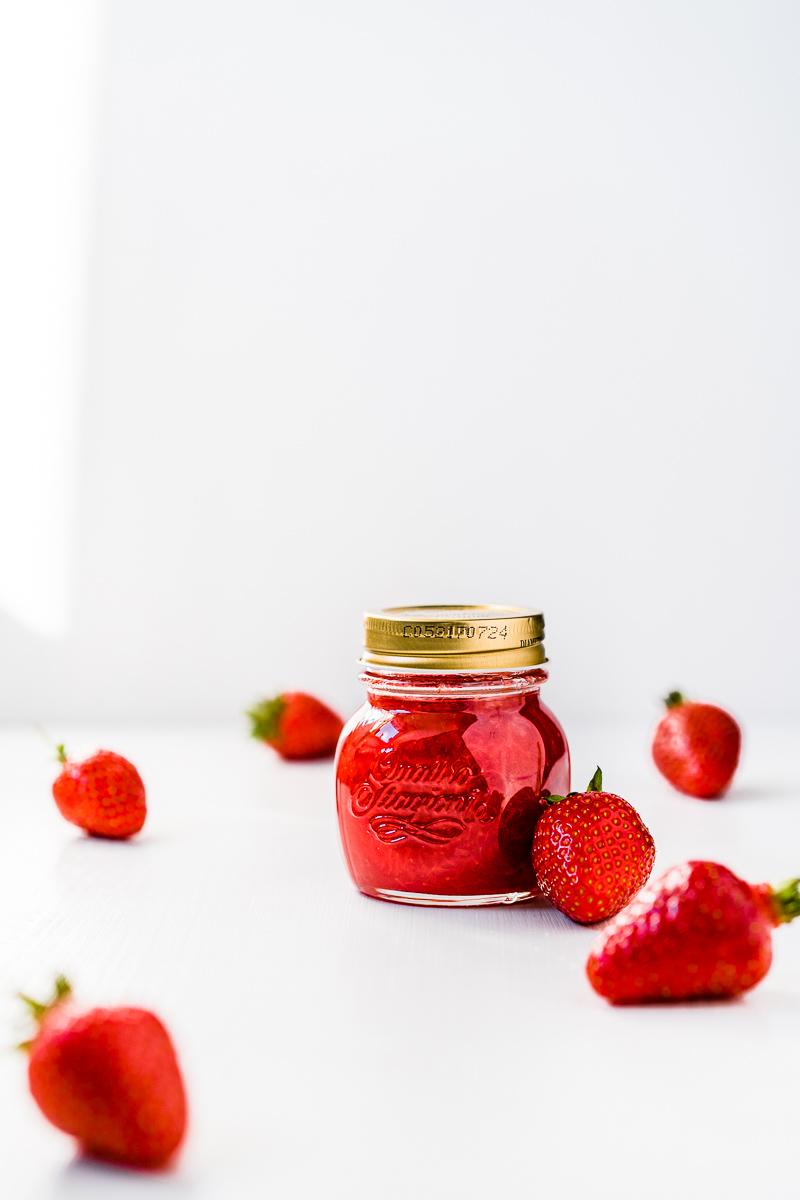 Glas Erdbeermarmelade