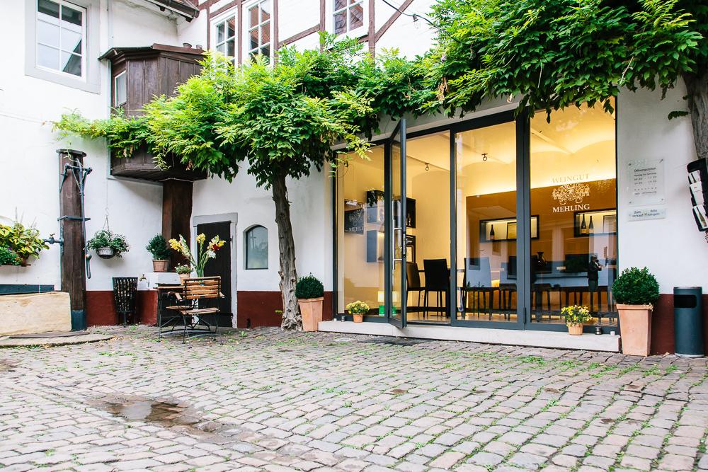 Innenhof von Weingut Mehling